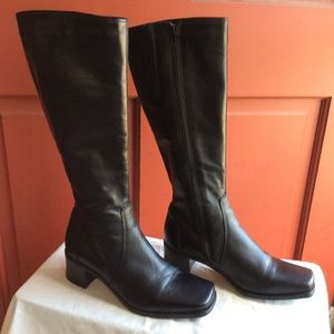 "LIKE NEW LA CANADIENNE ""JENNIFER"" BOOTS 6.5 M"